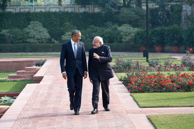 president_obama_and_prime_minister_modi_walk_in_the_garden_at_hyderabad_house