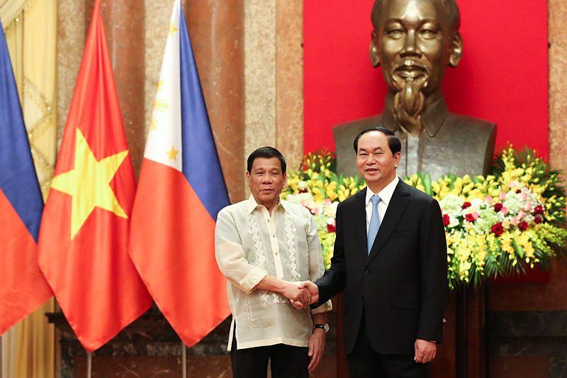 Rodrigo_Duterte_with_Trần_Đại_Quang_092916