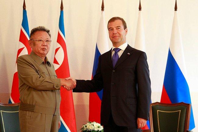 Dmitry_Medvedev_and_Kim_Jong-il_2011-2
